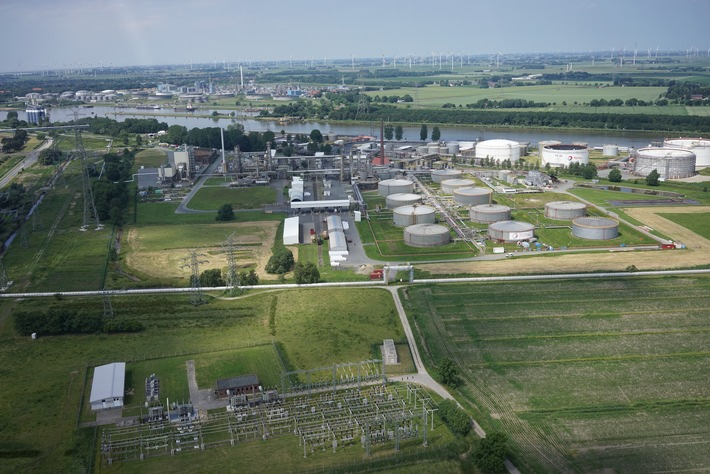 Innovatives Pilotprojekt: Sektorenübergreifender Ansatz im Multi-Megawatt Hybridspeicherprojekt in Brunsbüttel (Foto: Wind to Gas Energy)